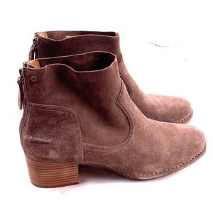 New UGG brown leather ankle booties size 10